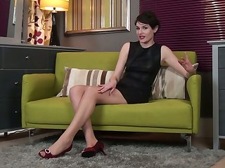 Middle aged brunette Squeal is finger fucking her sex-starved hairy cunt