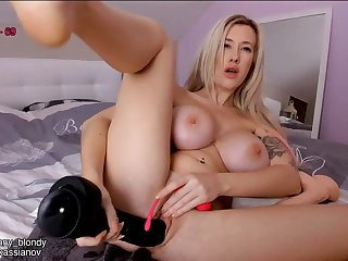Busty chubby fundament blonde plays with kinky sex toys
