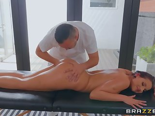 Kerian Lee fuck up dives milf Jolee Adulate during a kneading session
