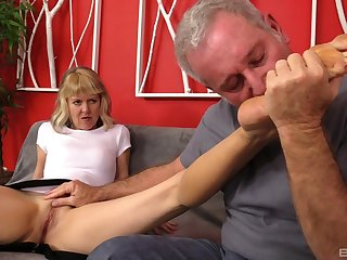 Mature clumsy Clare Fonda spreads her hooves for balls deep fucking