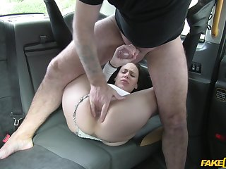 Amateur filmed when obtaining transmitted to dick on transmitted to back seat