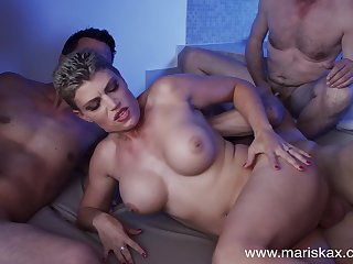 MILF Valentina Babe fucks a handful of guys