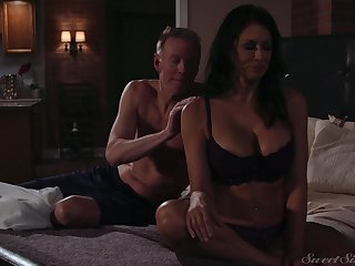 Gorgeous milf Reagan Foxx gets fucked coupled with jizzed by horny suitor