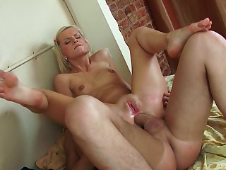 Blonde spitfire works magic with her most assuredly tight ass
