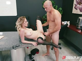 Secretary spreads legs for the boss and gets laid on the desk