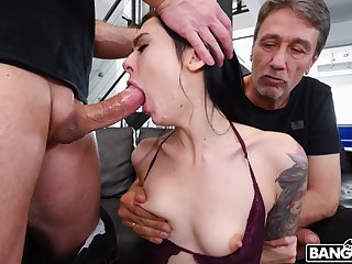 Tattooed chick Marley Brinx gets spit-roast added to double penetration