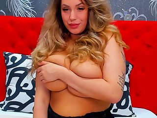 webcam show with monster tits and big ass gorgeous diva