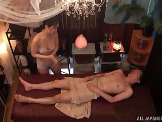 Skinny dude all round a longing locate fucks a naughty Japanese masseur