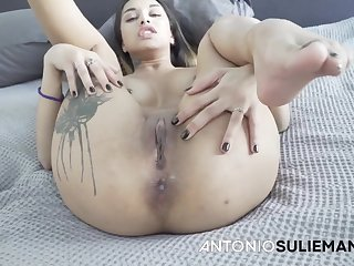 Voluptuous floozy energizing porn scene