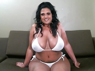 Chubby alone whore with huge boobies cannot stop fingering herself